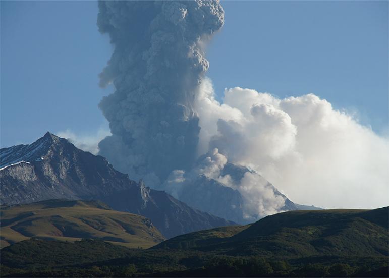 Shiveluch-Volcano1