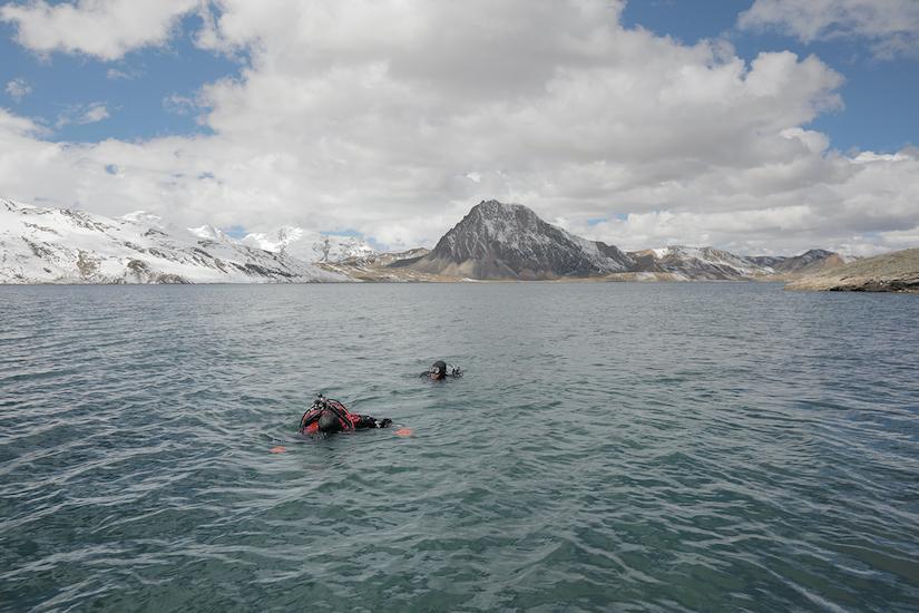 divers in Peru
